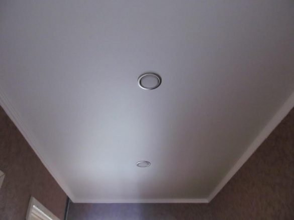 купить недорого сатиновый потолок фотография